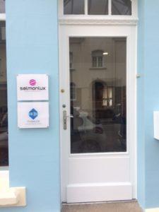 Venez pousser la porte de notre agence spécialisée dans la rénovation de façade et la décoration intérieure